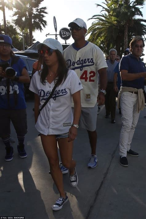 Tiger Woods leads celebrity turnout at World Series ...