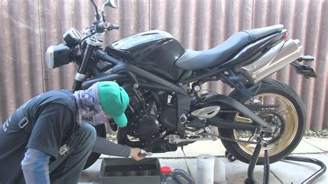 How To Change The Oil In A Motorcycle