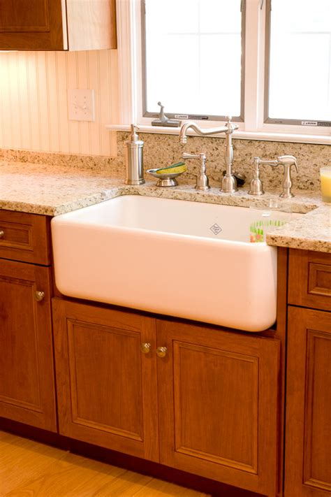 Farm Sink Cabinet by Custom Kitchen Cabinets With A Farm Sink Glastonbury Ct