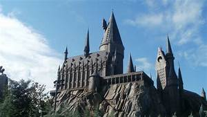 Hogwarts Castle Wallpaper ·①