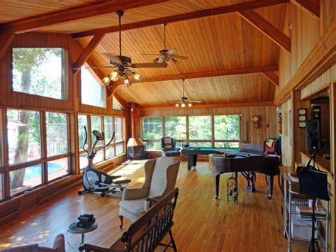cottage window treatments lakefront bargain hunt hgtv