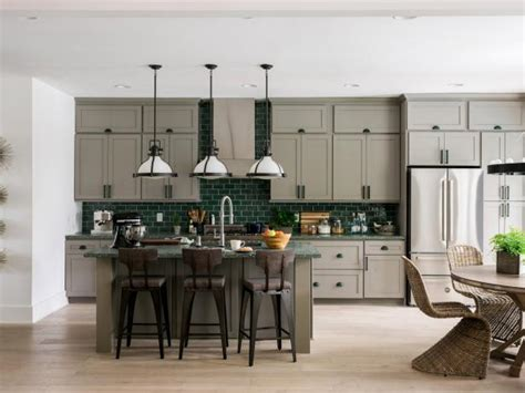 Kitchen cabinet colors for every home. HGTV Dream Home 2017: Kitchen Pictures | HGTV Dream Home ...