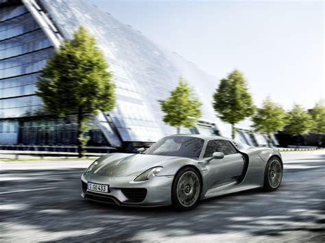 Translogic Tests Out Porsche 918 Spyder Video