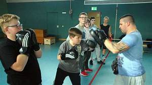 Boxen Für Kinder : box training f r behinderte kinder an der paul zimmermann schule lokalsport ~ Eleganceandgraceweddings.com Haus und Dekorationen