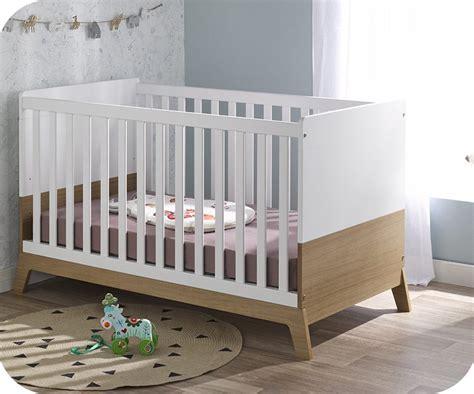 chambre blanche et bois mini chambre bébé aloa blanche et bois