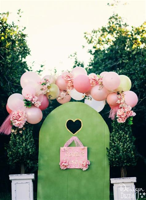balloons  flowers   beautiful fairy arch design