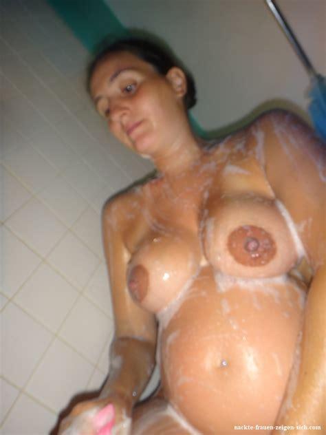 Frau Beim Duschen Nackte Frauen Pics Dein Bilder Und Foto Album