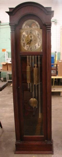 colonial mfg  zeeland mich grandfather clock