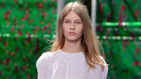 Meet The New Face Of Dior Shes 14 And Her Runway Walk Sparked Major Controversy Abc News