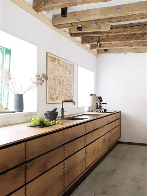heartoak carpenter kitchen woodz