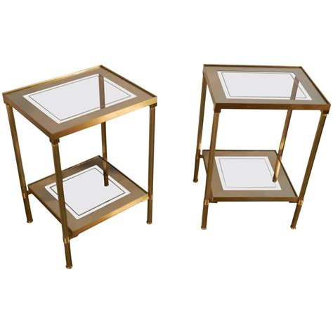 table bout de canapé en verre design paire de bout de canapes 1970 en laiton tablettes en