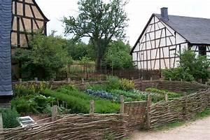 Gartengestaltung Bauerngarten Bilder : file roscheiderhof garten wikimedia commons ~ Markanthonyermac.com Haus und Dekorationen