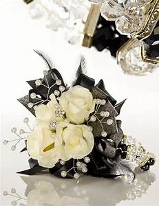 Flowers Black-and-White-Wedding-Bouquet-Jens-Awesome