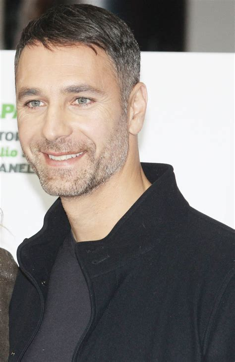 Born and raised in rome, raoul bova finished his compulsory education, completed military service as a sharpshooter, and started a university education before chucking it for a chance at an acting career. Raoul Bova - Wikipedia