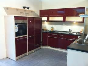 plana küche nobilia musterküche front uno hgl rot ausstellungsküche in coesfeld stall treffpunkt küche