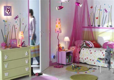 chambre fille 2 ans décoration chambre garçon 2 ans