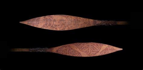 captain cooks maori paddles  artefact  encounter