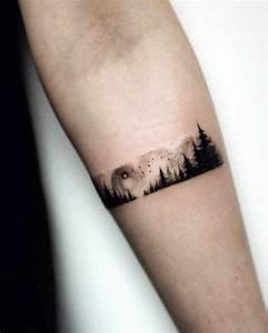 Tatouage Minimaliste : 1001 dessins originaux de tatouage montagne ~ Melissatoandfro.com Idées de Décoration