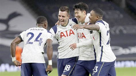 Spurs beat Man City 2-0; move to top of EPL table