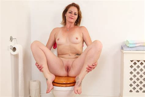British Milf Sexy Jozie Strips And Plays On Toilet Porn