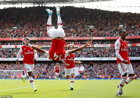sport news Arsenal 2-1 Burnley: Pierre-Emerick Aubameyang ...