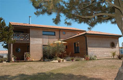 constructeur maison bois vendee arcadial constructeur de maisons bois dans l ouest de la la maison bois par maisons