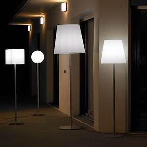Lampe Haute Sur Pied : lampe sur pied cubico la boutique desjoyaux ~ Teatrodelosmanantiales.com Idées de Décoration