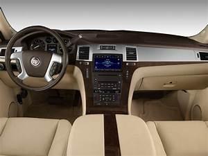 Image: 2008 Cadillac Escalade ESV 2WD 4-door Dashboard