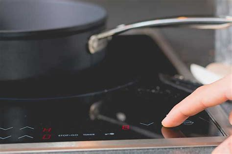 piano cottura vetroceramica consumi piano cottura a induzione pro e contro consumi e costi