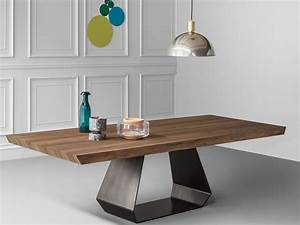 Amond wooden table amond collection by bonaldo design gino for Tables a manger design