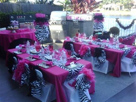 ideas  zebra centerpieces  pinterest safari