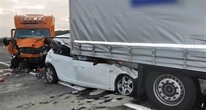 Autoroute A13 Accident : grave accident sur l 39 autoroute a13 ~ Medecine-chirurgie-esthetiques.com Avis de Voitures