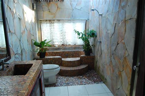 desain kamar mandi natural renovasi rumahnet