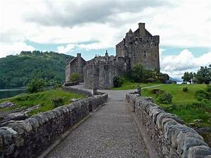 A Guide To: Eilean Donan Castle - The Highlands | Out ...