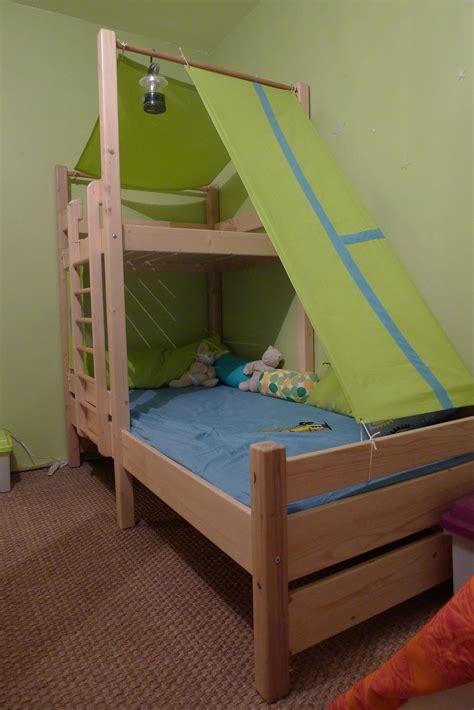 travail du bois construction d 39 un lit cabane