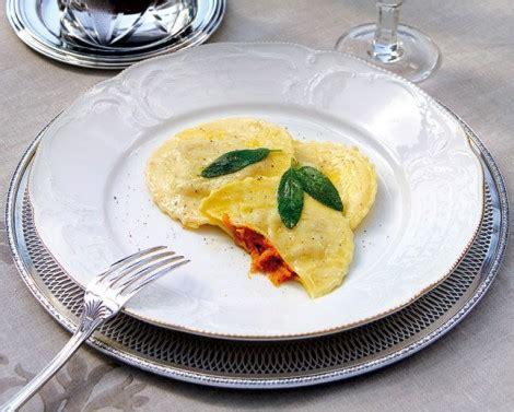 Tortelli Di Zucca E Amaretti Alla Mantovana by Tortelli Alla Mantovana Ricetta E Cucina