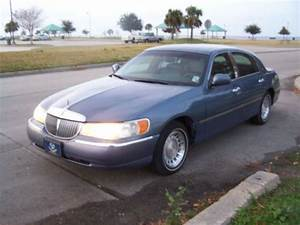 Purchase Used 2000 Lincoln Town Car Executive Sedan 4