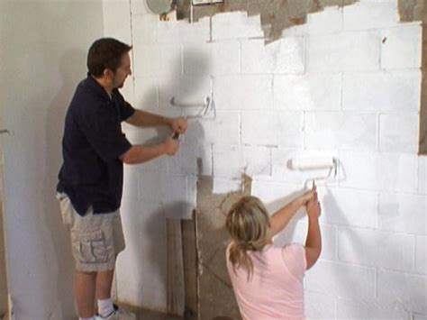 How to Waterproof a Cinderblock Wall   how tos   DIY