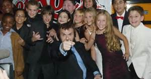 Video: Jack Black and the School of Rock cast rock out on ...