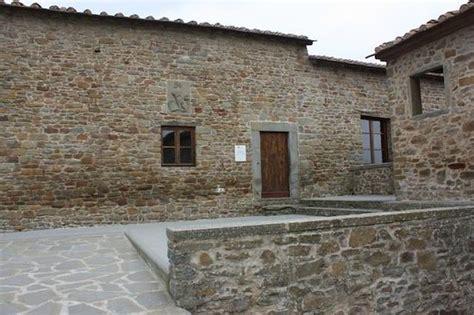 casa natale di leonardo da vinci the house where leonardo da vinci was born picture of
