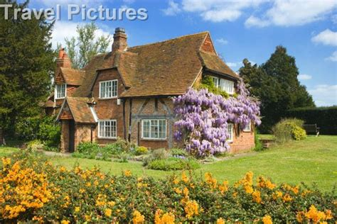 Cottages Surrey by Cottages In Uk Surrey Send Cottage With