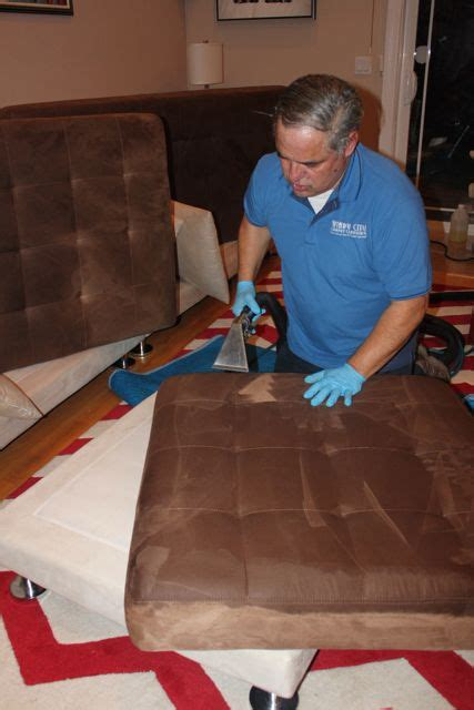Chicago Upholstery Cleaning by Residential Upholstery Cleaning Windycity