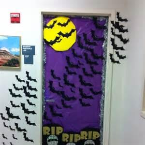 Halloween Office Door Decorating Contest Ideas by 30 Cute And Fun Halloween Door Decorating Ideas 2017