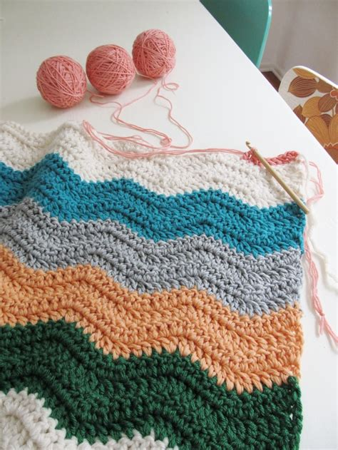 learn to crochet 1000 images about crocheting and knitting on pinterest videos learning to crochet and stitches