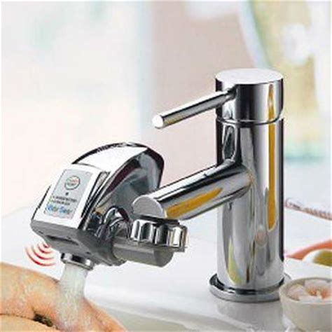 Taiwan Innovation new product   Water Saver turns a manual