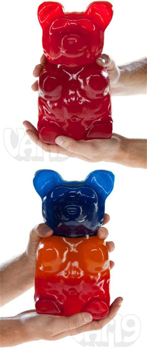 The World's Largest Gummy Bear: A 5 pound gummi bear!