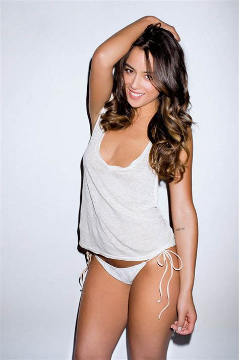 Chloe Bennet Hottest Photos | Sexy Near-Nude pictures, GIFs