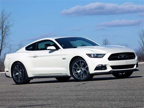 Top 10 Cheap, Fast Cars For 2015