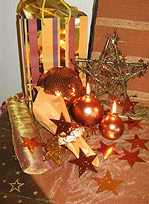 stylish christmas decor gold  white color scheme