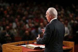 Author and Pastor John MacArthur to Receive NRB Hall of ...